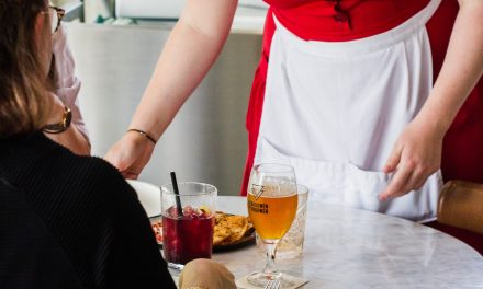 Tips for Restaurant Owners: Keeping Good Employees, Profits