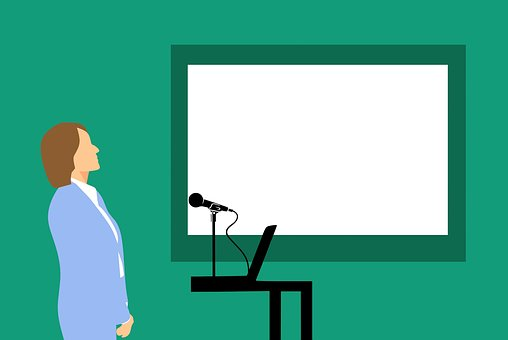 Learn to Give a Speech Like a Business Pro with 8 Tips